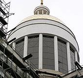 Центральний купол Патріаршого собору вже з вітражами