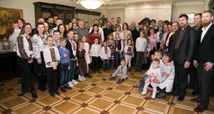 Священничі родини Київської Архиєпархії завітали з колядою до Блаженнішого Святослава
