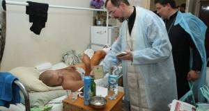 Патріарший собор зібрав фрукти та мед для поранених прикордонників з київського госпіталю